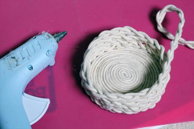 DIY Braided Rope Basket