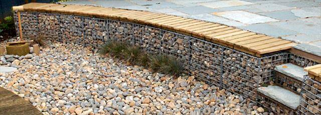 stones and wire mesh design