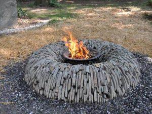 stone fire pit idea