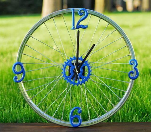 DIY Easy handmade wheel clock