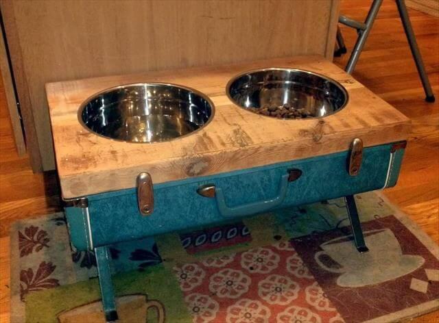 DIY-Vintage-Suitcase-Dog-Bowls