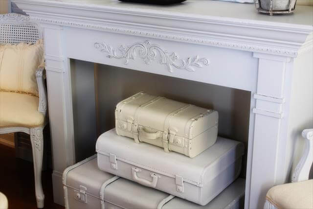 DIY-Vintage-Suitcase-Fireplace-Decor