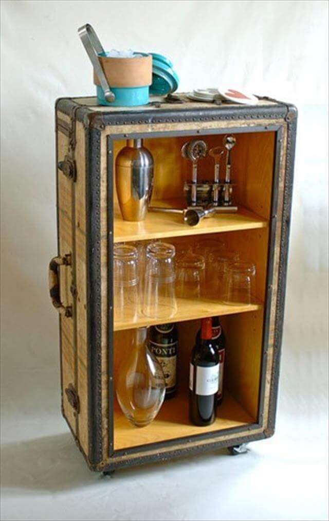DIY-Vintage-Suitcase-Rolling-Bar-Cart