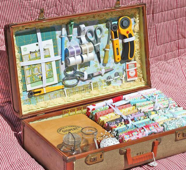 DIY-Vintage-Suitcase-Sewing-kit
