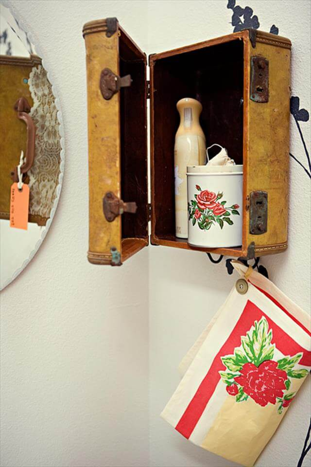 DIY-Vintage-Towel-Holder