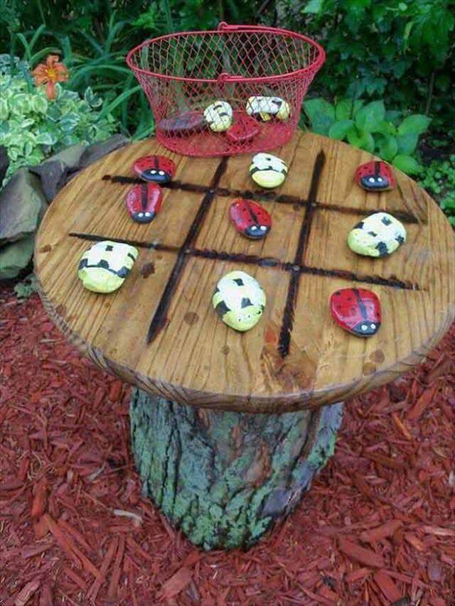 DIY Wooden Log Table With Rock Design
