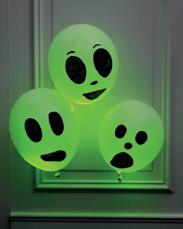 DIY Glowing Ghosts