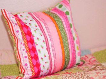 DIY Ribbon Pillow