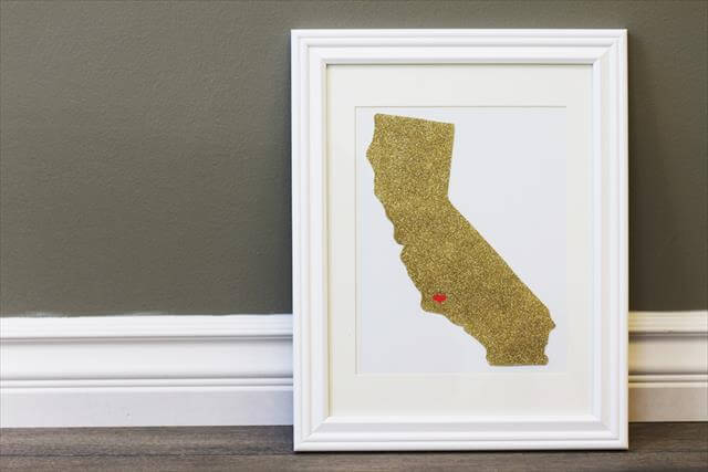 Wall Decoration With State Glitters