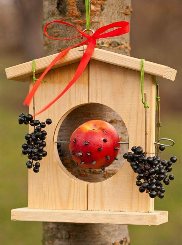 9 diy decorative birdhouse ideas diy to make for How to make homemade bird houses