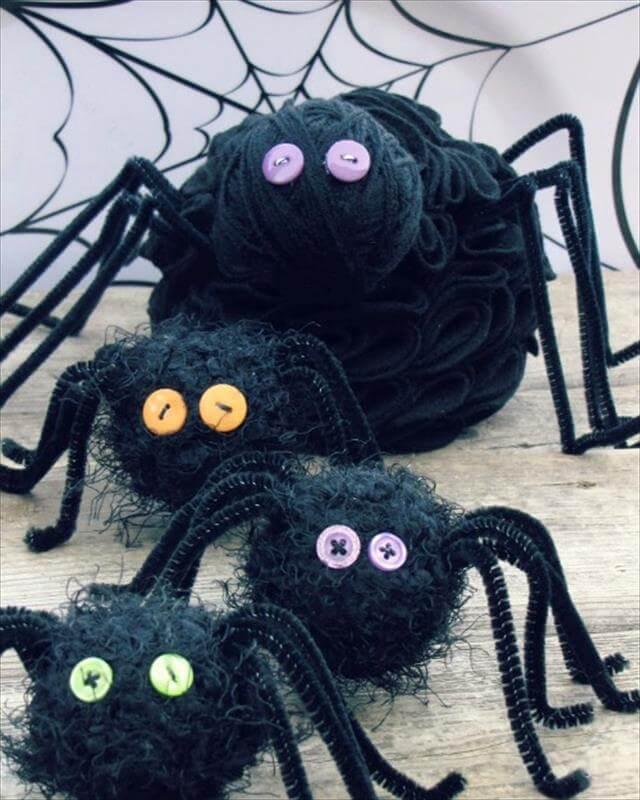 DIY Black Felt Ruffle Spider