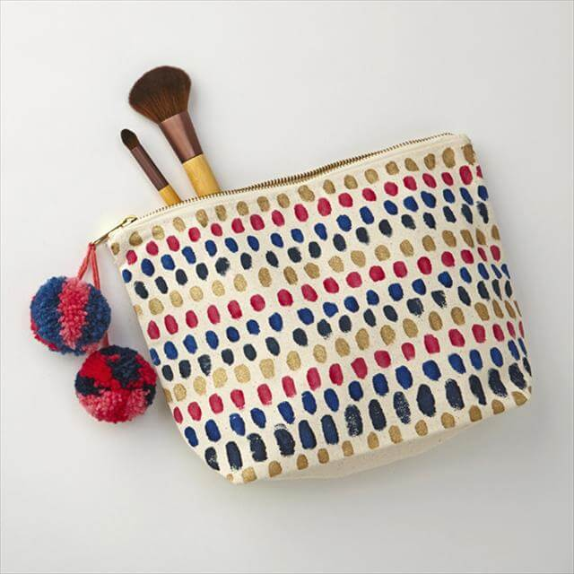 Simple makeup bag sewing pattern