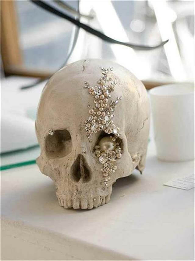 Simple And Easy Encrusted Skull