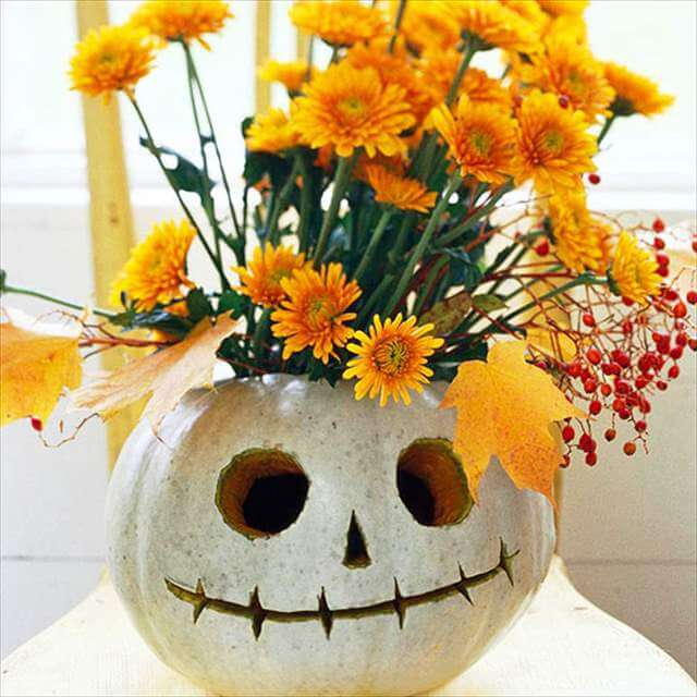 Great Face Vase Pumpkin Design