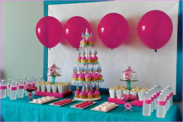 11 diy candy party decor centerpiece ideas diy to make for Home made party decorations