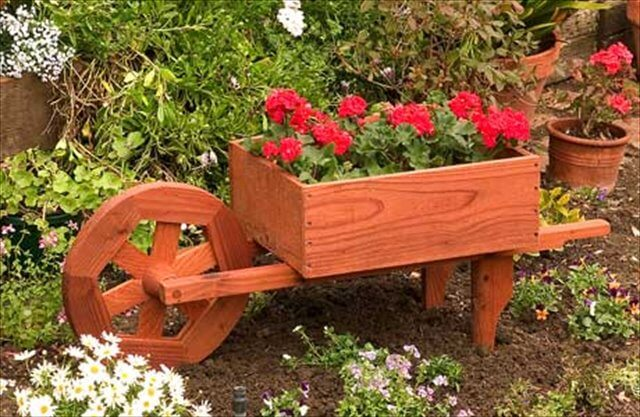 10 Diy Wooden Wheelbarrow Planter Diy To Make