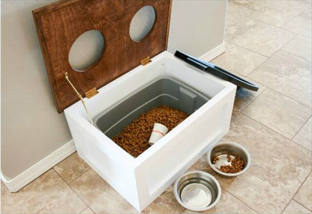 DIY Dog Feeding Station