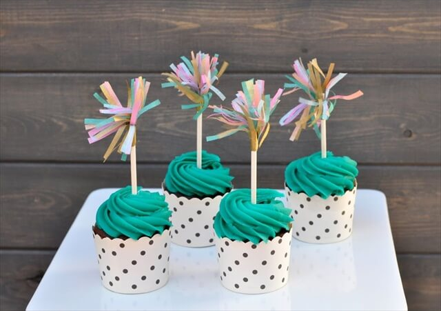 10 DIY Cupcake Topper For Special Occasions | DIY to Make