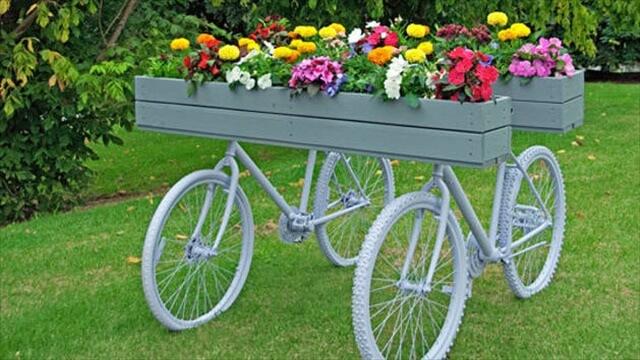 Garden Art Planters With Wheels