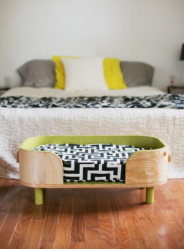 Retro Pet Bed