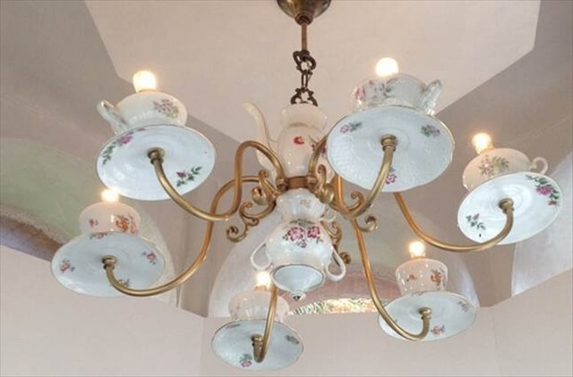 reuse-old-porcelain-teacups-ideas-creative-diy-chandelier