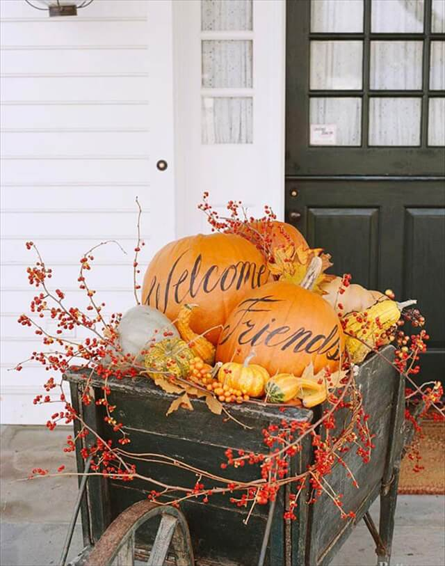 welcome-friends-pumpkins