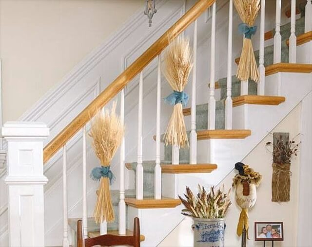 wheat-staircase-decor-thanksgiving