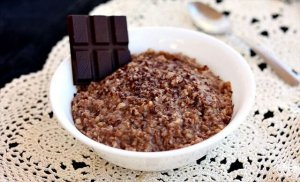 14 Crockpot Oatmeal Recipes for Healthy Breakfase