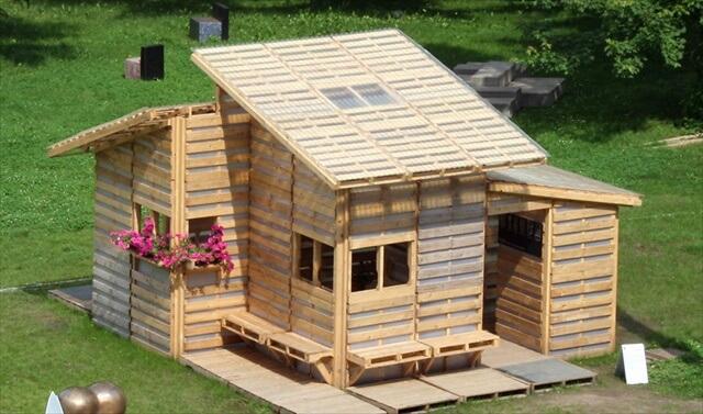 DIY Pallet House design