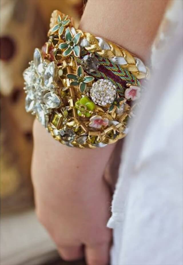 Create these great old jewelry bracelets