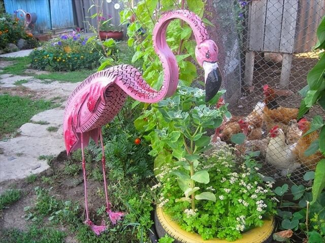 15 diy garden decoration ideas diy to make for Homemade garden decorations