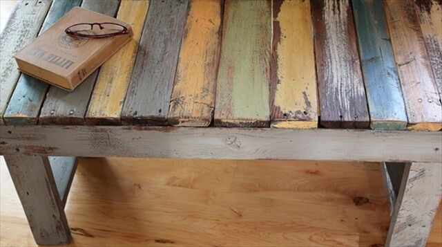 19 diy wooden pallet bench diy to make for What can you make with recycled pallets