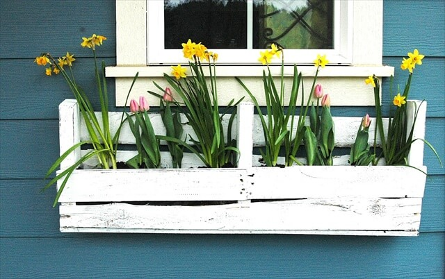 Gorgeous DIY Window Box Planters