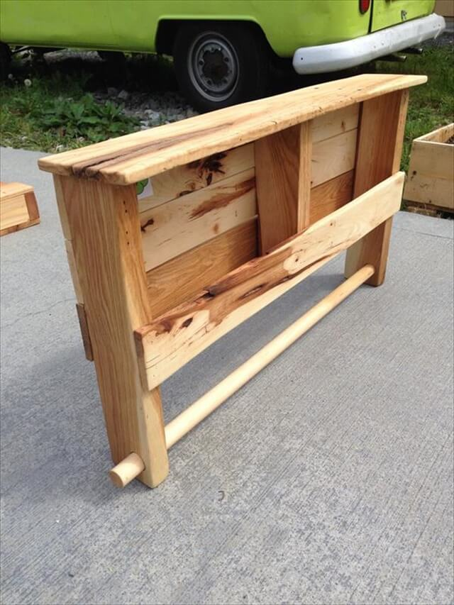 outdoor pallet shelf