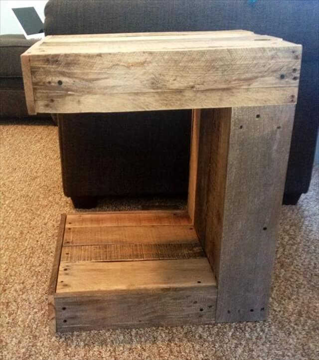 recyclaimed pallet c-shape side table