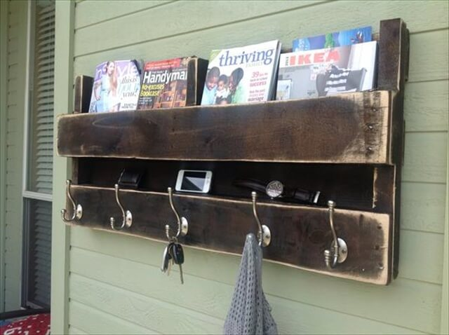 DIY Rustic Pallet Coat Rack