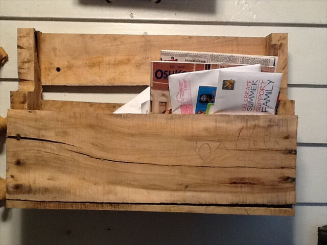pallet books shelf and coat stand