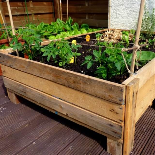 planter box made out of pallets