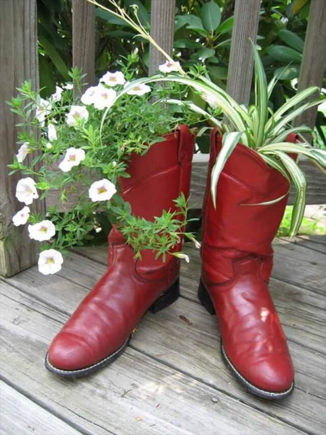 boot planter design