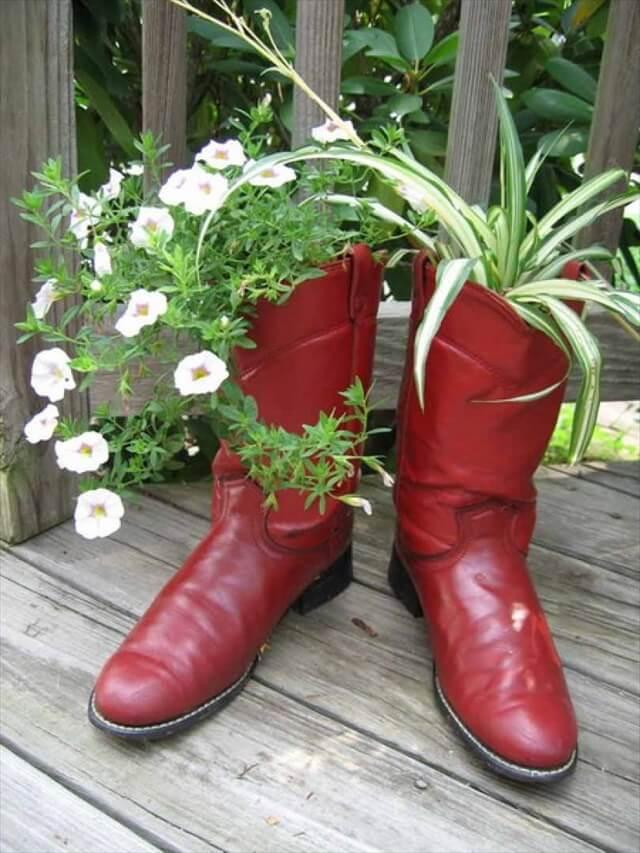 boot planter design
