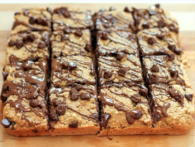 Banana Bread Chocolate Chip Breakfast Bars