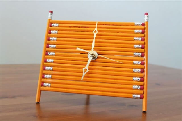 Pencil Desk Clock: