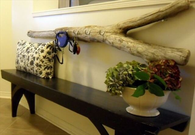 DIY Driftwood Key Holder