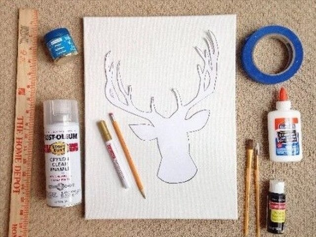 DIY Sparkly Reindeer Head Canvas