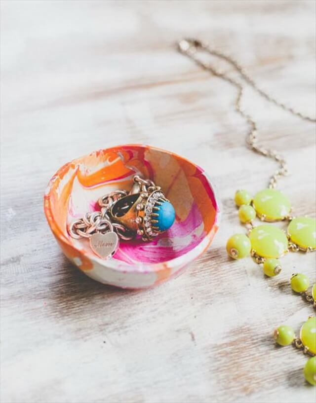 Mini Marbled Decorative Bowls with Nail Polish