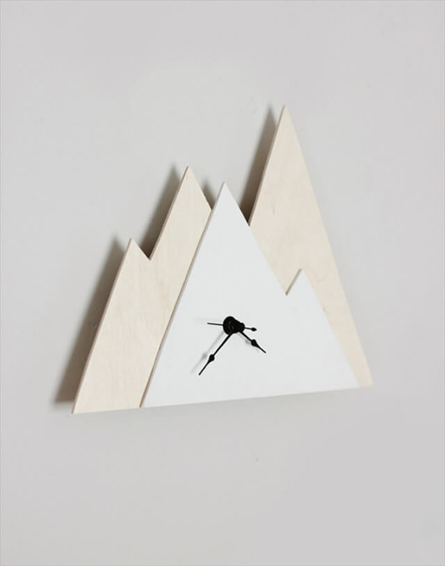 Minimal Mountain Clock: