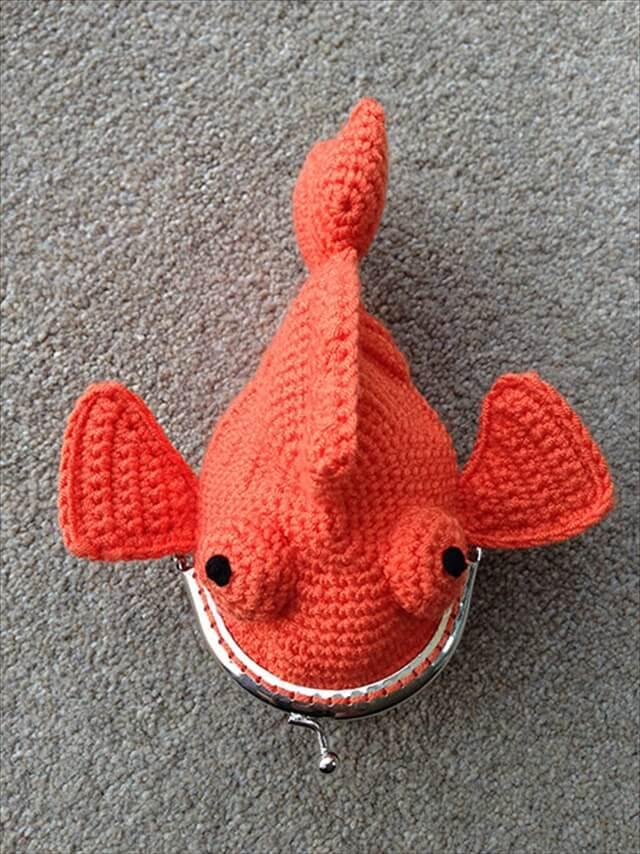 Goldfish Coin Purse amigurumi crochet pattern