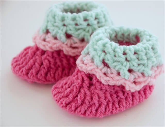 cute crochet baby booties for your baby