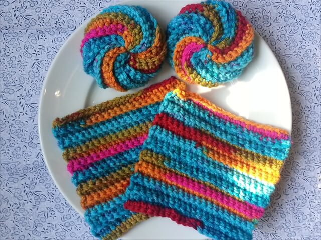 Knitted Scrubbies Free Pattern : 13 Dishcloths & Scrubbies Crochet Patterns DIY to Make