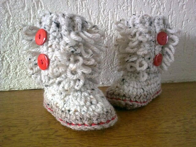 Off white crochet baby booties
